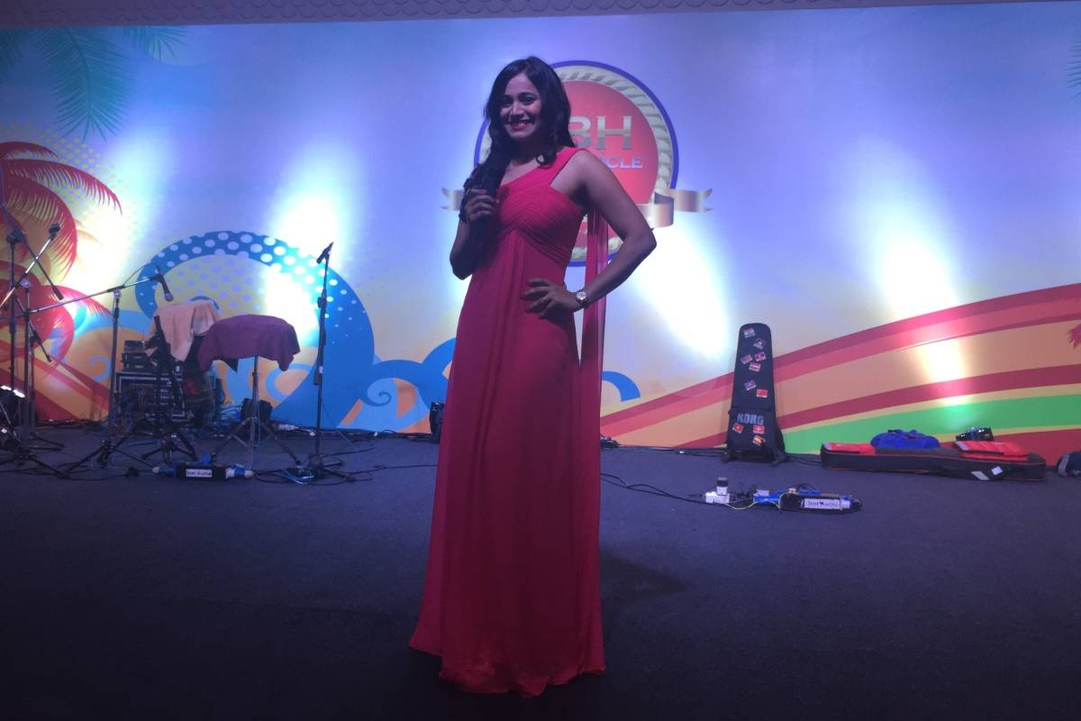 Anchor Reena hosts HDFC Life Distributors Meet with HDFC Bank