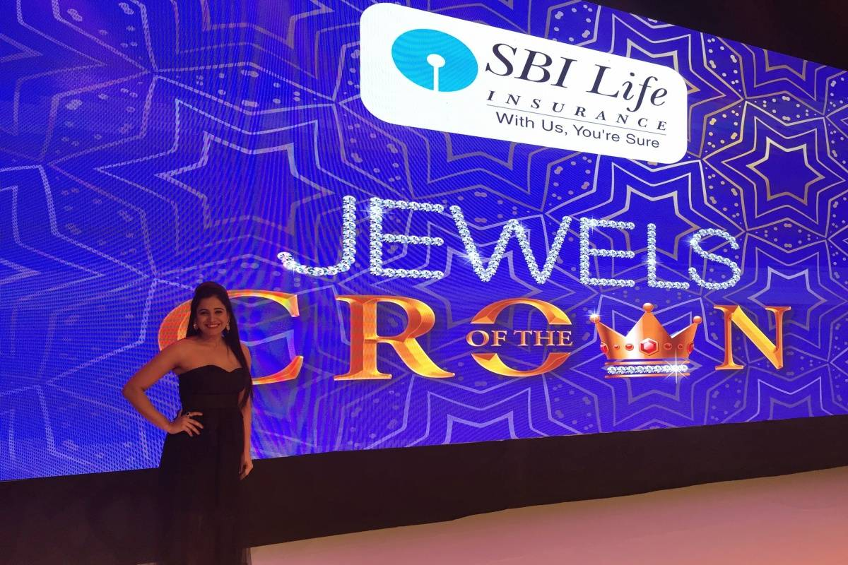 Anchor Emcee Reena Dsouza hosts SBI Life Insurance Jewels of the crown event in WTC, Dubai