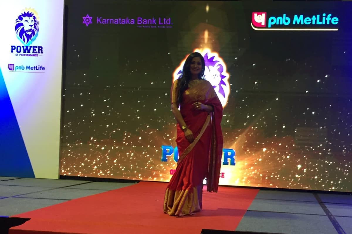 India's Multilingual Anchor Reena Dsouza hosts PNB Metlife & Karnataka Bank event for their achievers in Singapore