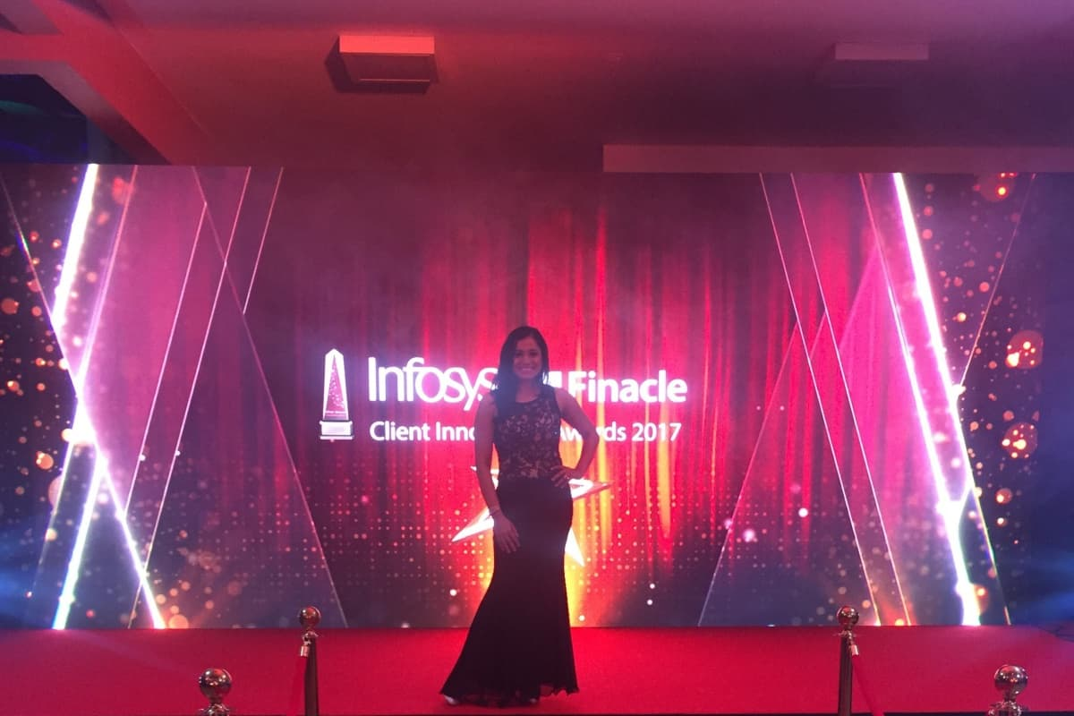 India's renowned corporate presenter Reena comperes for Infosys Finacle client Innovation awards 2017
