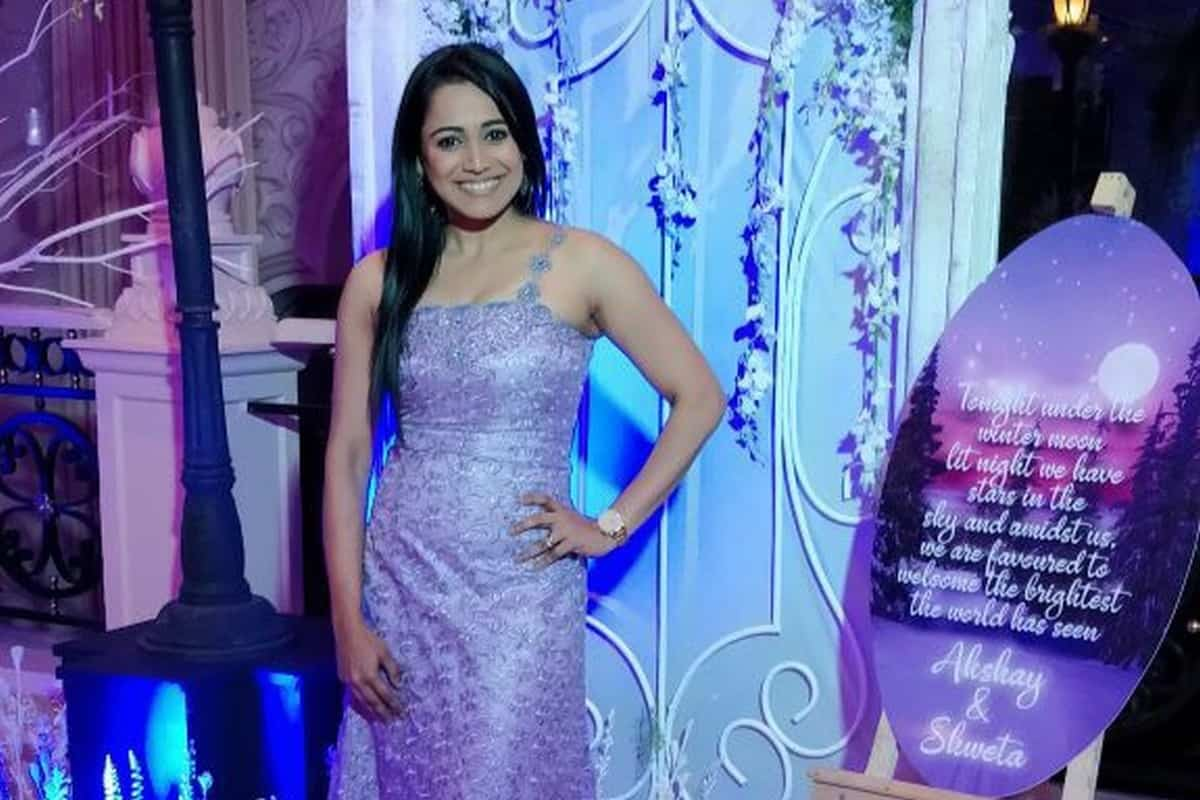 Star Anchor Reena Dsouza hosts Ring ceremony for Bhuwalkas & Agarwala