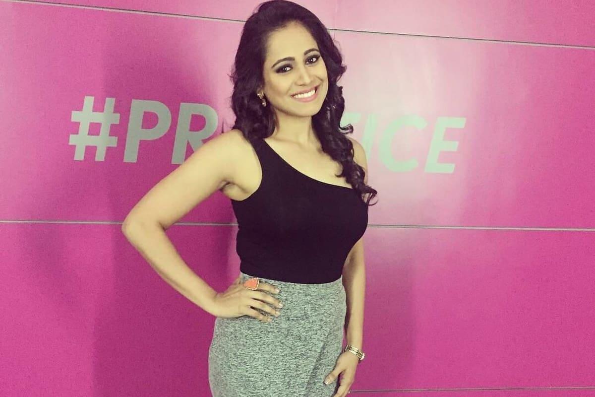 Multilingual anchor Reena Dsouza compered the launch of Piaggio's Motoplex Bangalore