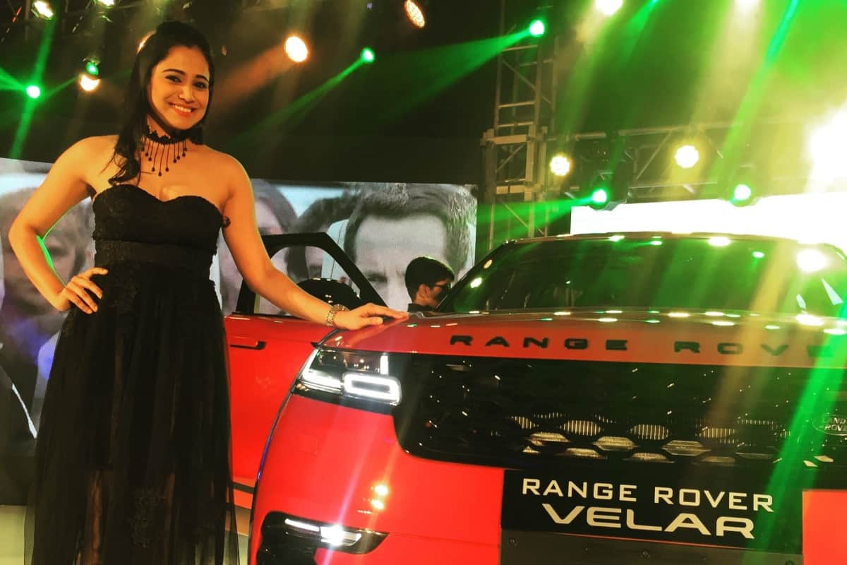 Anchor Reena Dsouza hosts the launch of Range Rover Velar in Bangalore